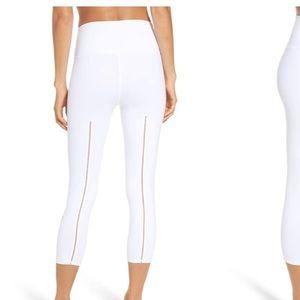 New ALO Yoga Dash White Capri Legging M